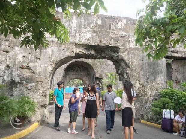 Intramuros là thành cổ nổi tiếng ở Philippines